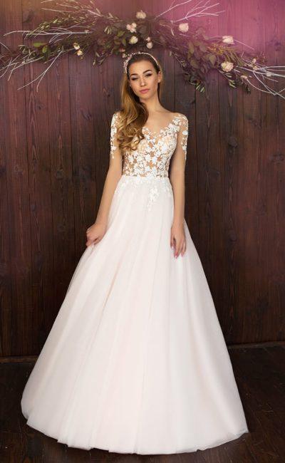 Нежное свадебное платье «принцесса» с чувственным верхом с иллюзией прозрачности.