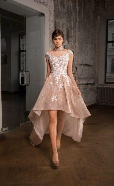 Эффектное короткое свадебное платье
