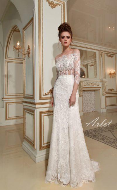 Эффектное свадебное платье облегающего кроя с кружевным верхом на прозрачной ткани.