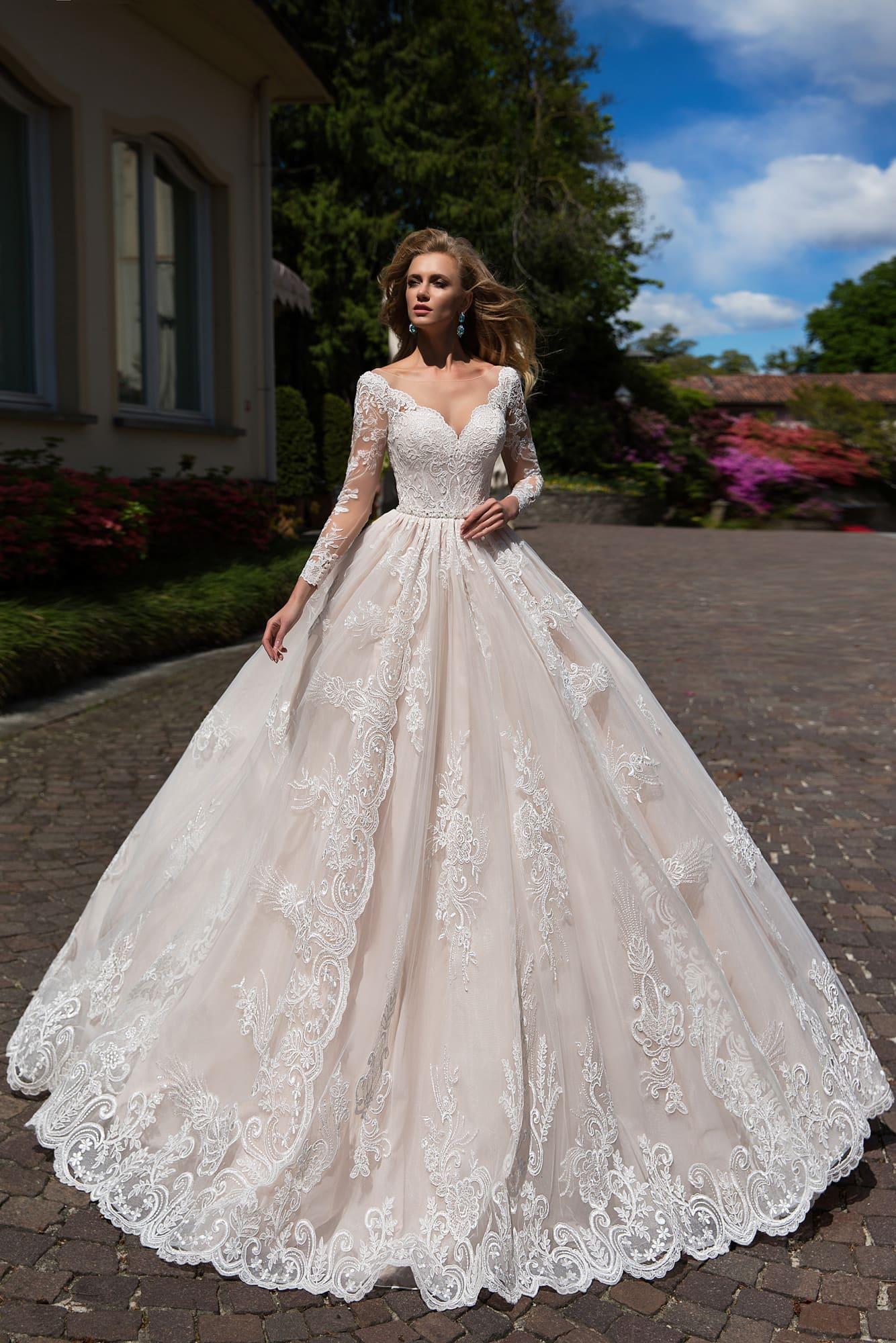 d071857a9d8 Свадебное платье Lussano Bridal Deny 16878 ▷ Свадебный Торговый ...