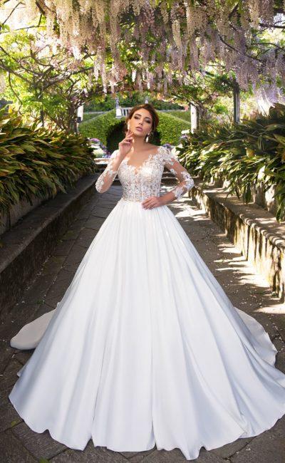 Изысканное свадебное платье «принцесса» с верхом с иллюзией прозрачности.