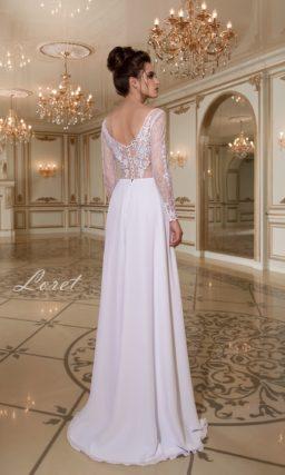 Прямое свадебное платье с соблазнительным полупрозрачным верхом с кружевом.