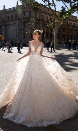 Свадебное платье кремовое