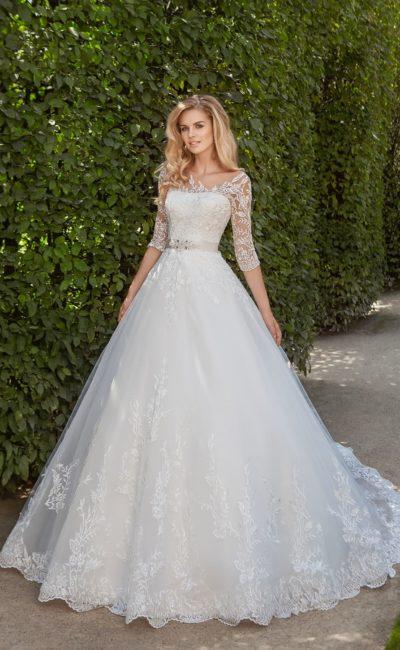Свадебное платье с рукавом три четверти