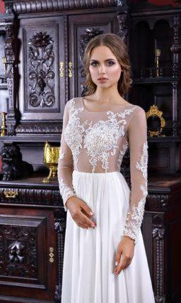 Прямое свадебное платье с чувственным полупрозрачным верхом с кружевом.