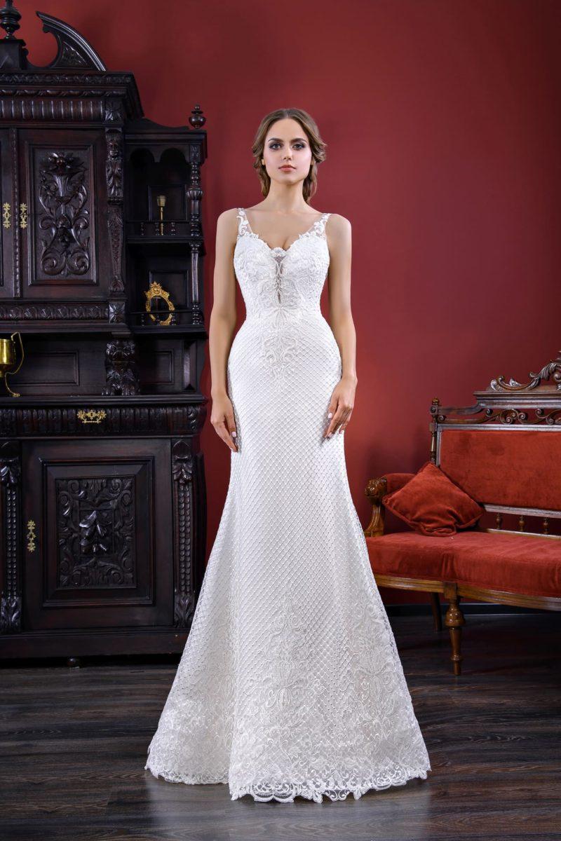 Фактурное свадебное платье «русалка» с открытой спинкой и тонкими бретелями.