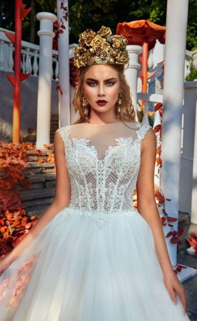 Свадебное платье «принцесса» с элегантной вышивкой на лифе и тонкой спинкой.