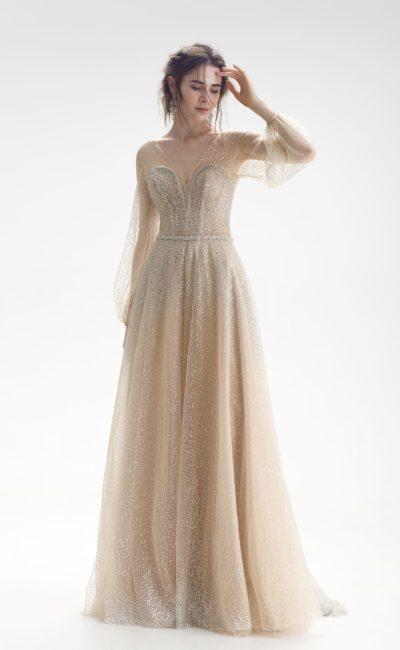 Бежевое свадебное платье с рукавом
