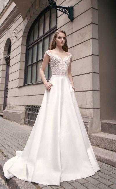 Свадебное платье-трансформер с кружевным верхом и двумя юбками на выбор.