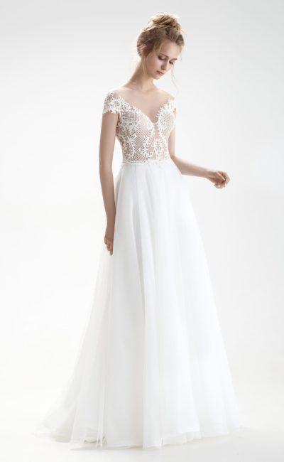 Свадебное платье с крупной сеткой