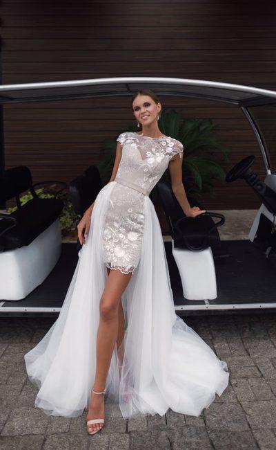 b220c61e508 Стильные короткие свадебные платья со шлейфом ▷ Свадебный Торговый ...