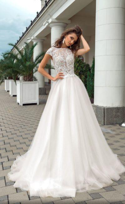 Платье пышного фасона