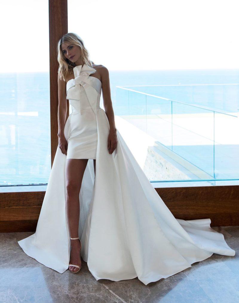 свадебное платье-трансформер с отстегивающимся длинным шлейфом