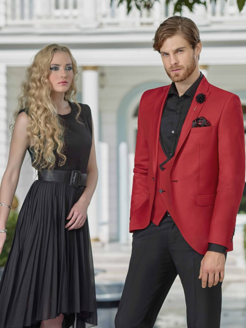 ▶▶Мужской костюм-тройка с красными пиджаком и жилетом. ☎ +7 495 724 26 05 ▶▶ Свадебный центр Вега Ⓜ Петровско-Разумовская