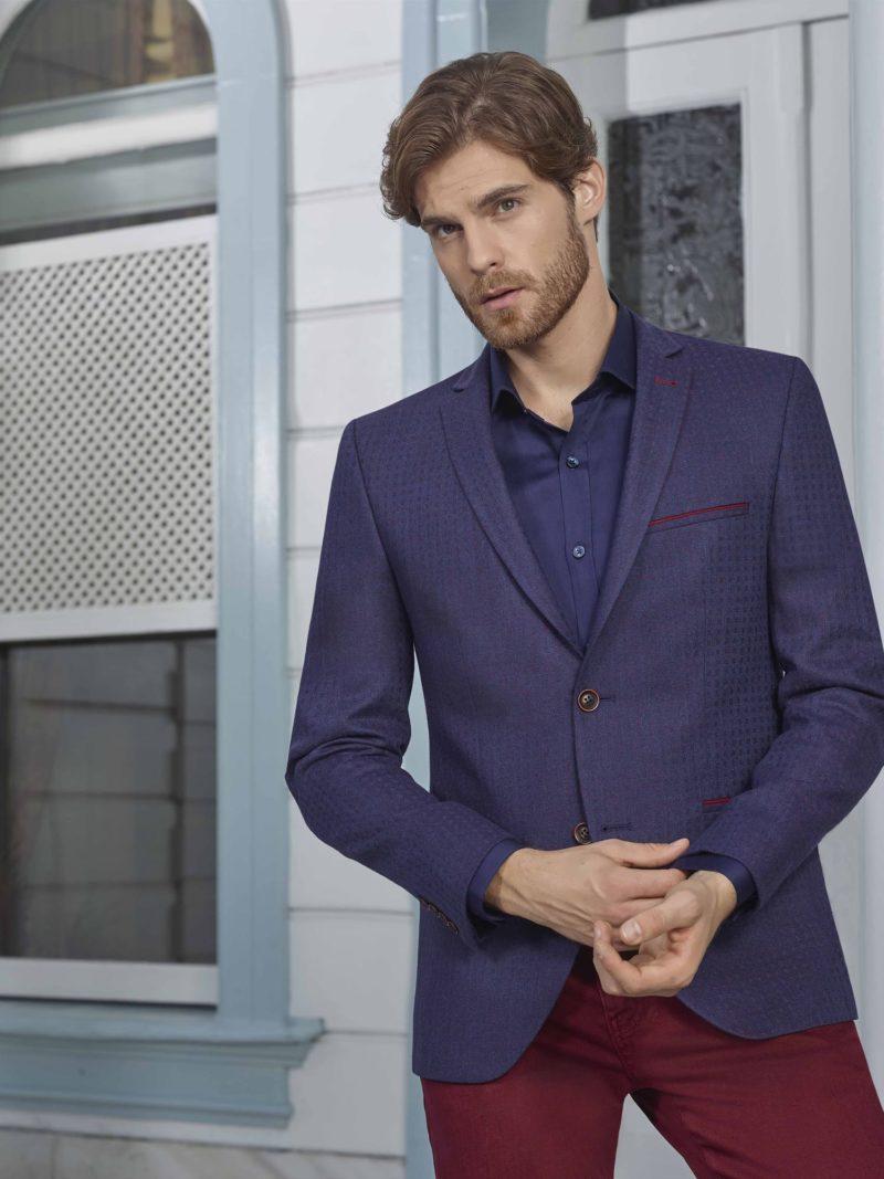 ▶▶Мужской костюм с темно-синим пиджаком и бордовыми брюками.  ☎ +7 495 724 26 05 ▶▶ Свадебный центр Вега Ⓜ Петровско-Разумовская