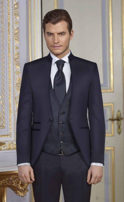 синий мужской свадебный костюм