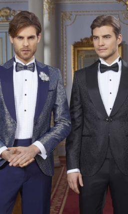 Темно-синий мужской костюм на свадьбу