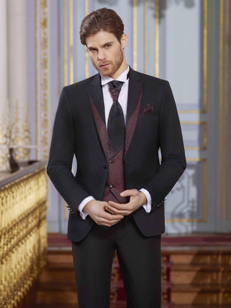▶▶Черный свадебный мужской костюм с бордовым жилетом. ☎ +7 495 724 26 05 ▶▶ Свадебный центр Вега Ⓜ Петровско-Разумовская
