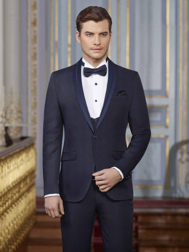 ▶▶Темно-синий мужской свадебный костюм-тройка с прямыми брюками и жилетом. ☎ +7 495 724 26 05 ▶▶ Свадебный центр Вега Ⓜ Петровско-Разумовская