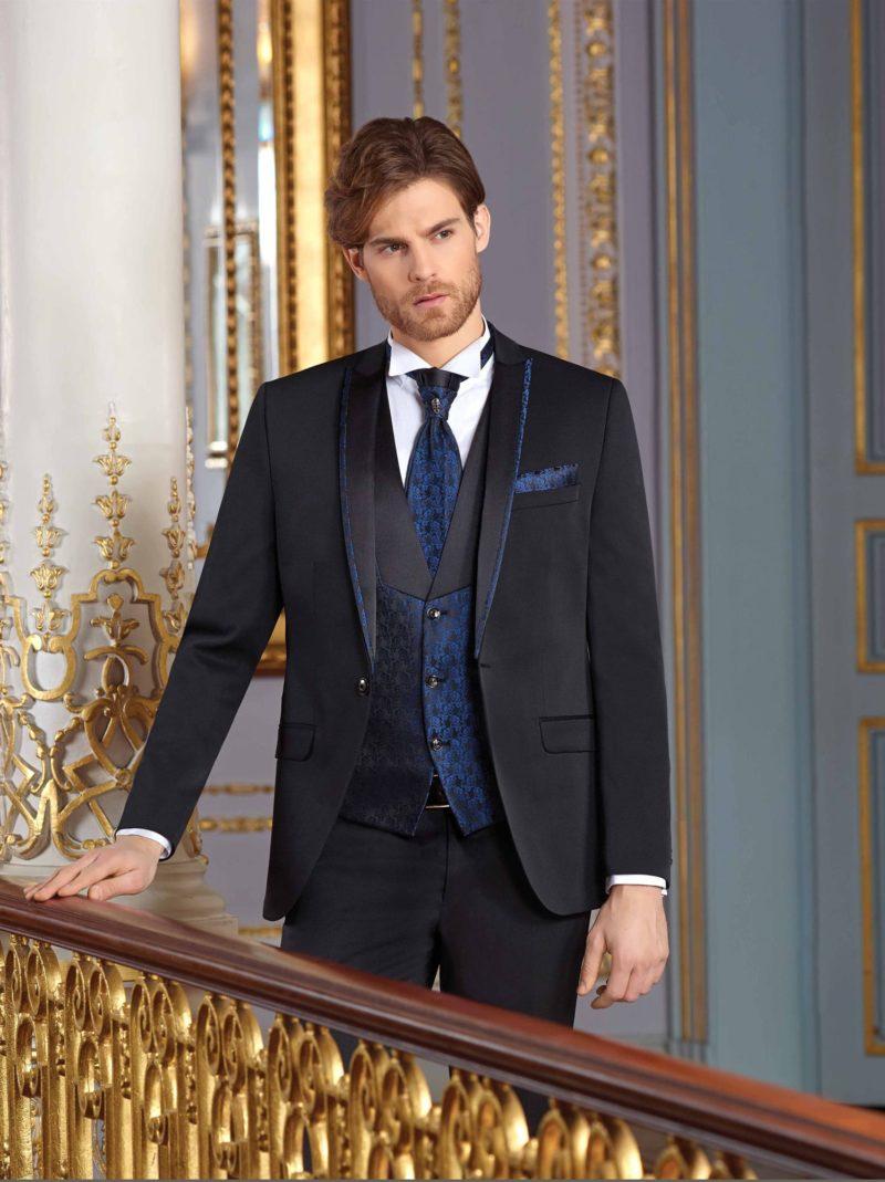 ▶▶Черный свадебный мужской костюм-тройка с синим жилетом. ☎ +7 495 724 26 05 ▶▶ Свадебный центр Вега Ⓜ Петровско-Разумовская