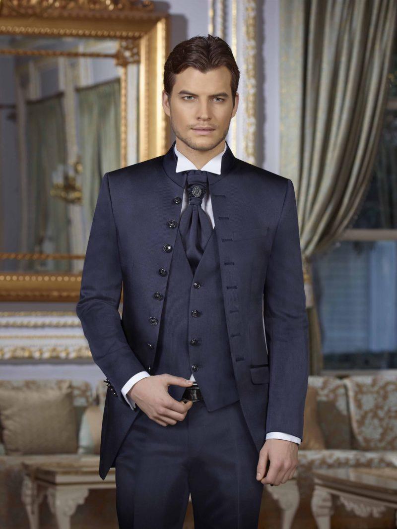 ▶▶Темно-синий мужской свадебный костюм с удлиненным пиджаком. ☎ +7 495 724 26 05 ▶▶ Свадебный центр Вега Ⓜ Петровско-Разумовская