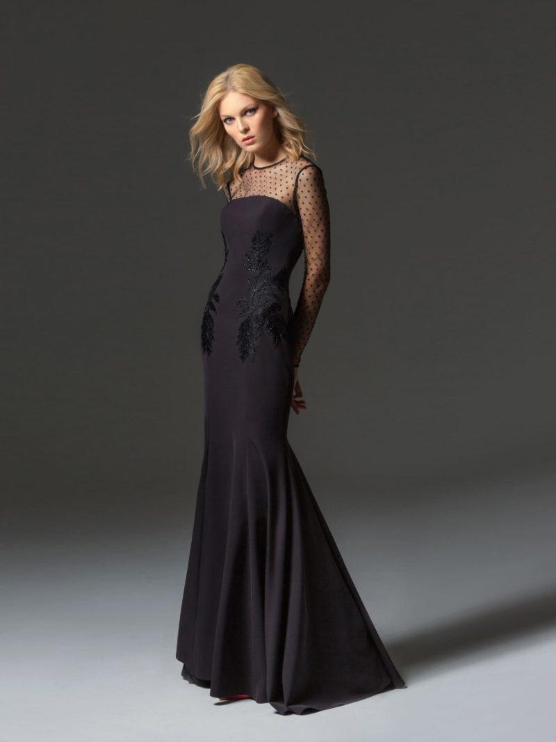 Черное коктельное платье с аппликациями и юбкой «русалка».
