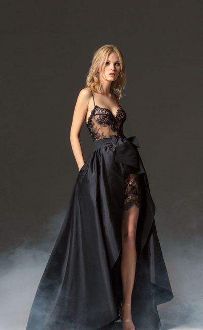 Коктейльное платье со шлейфом