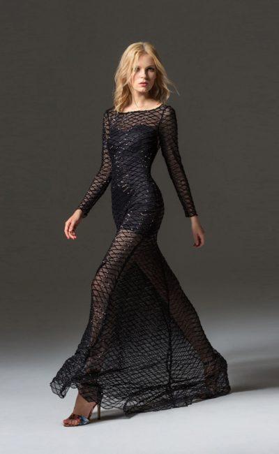 Черное платье-сетка