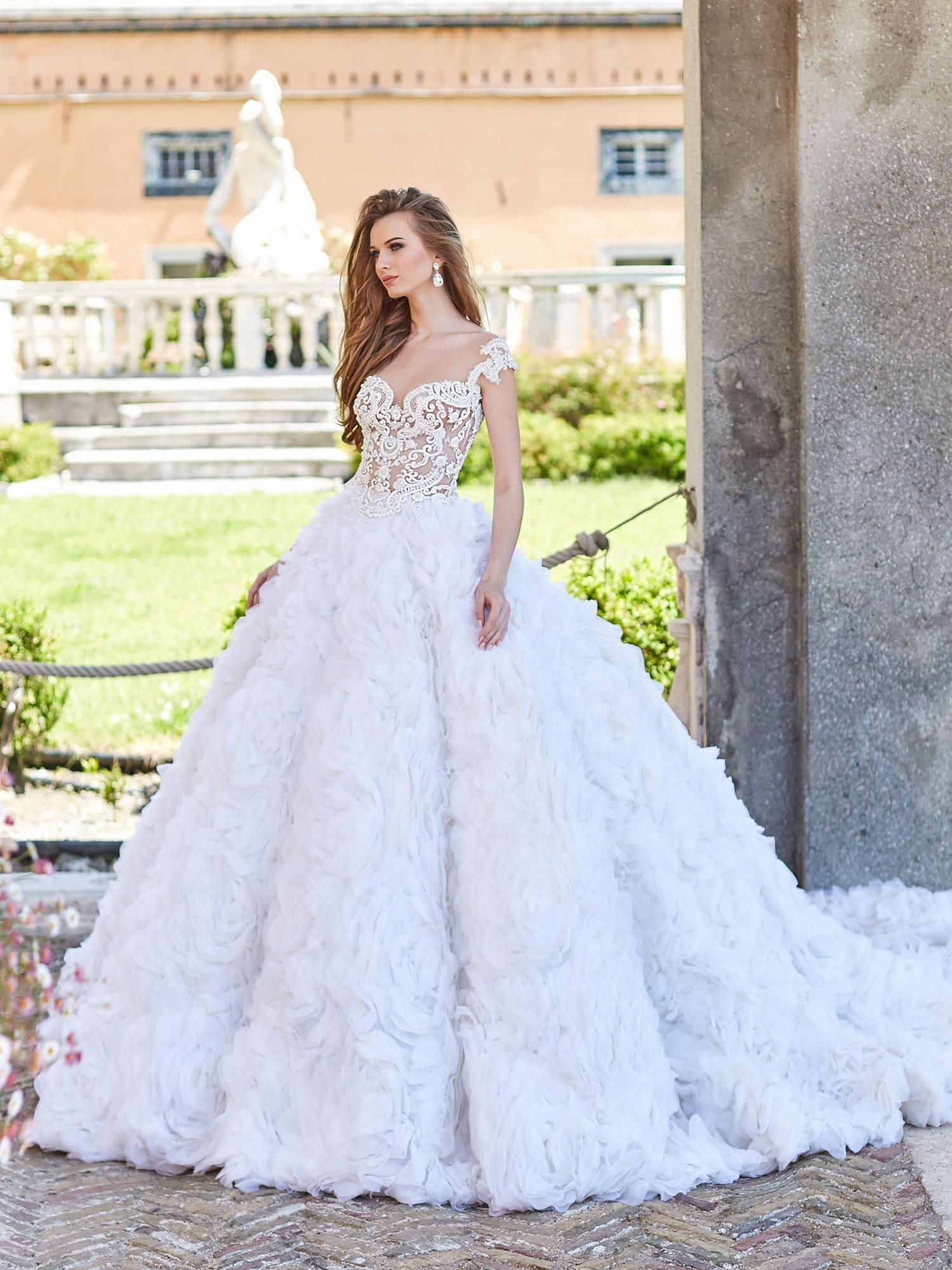 568a1870a2ffe4 Свадебное платье Оксана Муха Florencia ▷ Свадебный Торговый Центр ...