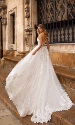 Кружевное свадебное платье-трансформер со съемной юбкой.