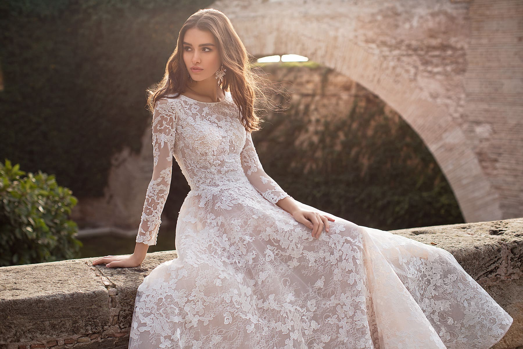 733a91727e09e0 Свадебное платье Naviblue Bridal Julya. 🔍. Кружевное свадебное платье  цвета айвори с длинным рукавом. /shop/jully/ /shop/lally/