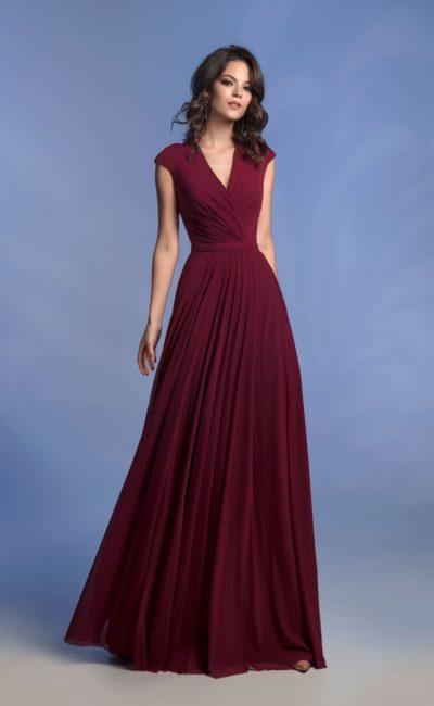 Вечернее платье винного оттенка
