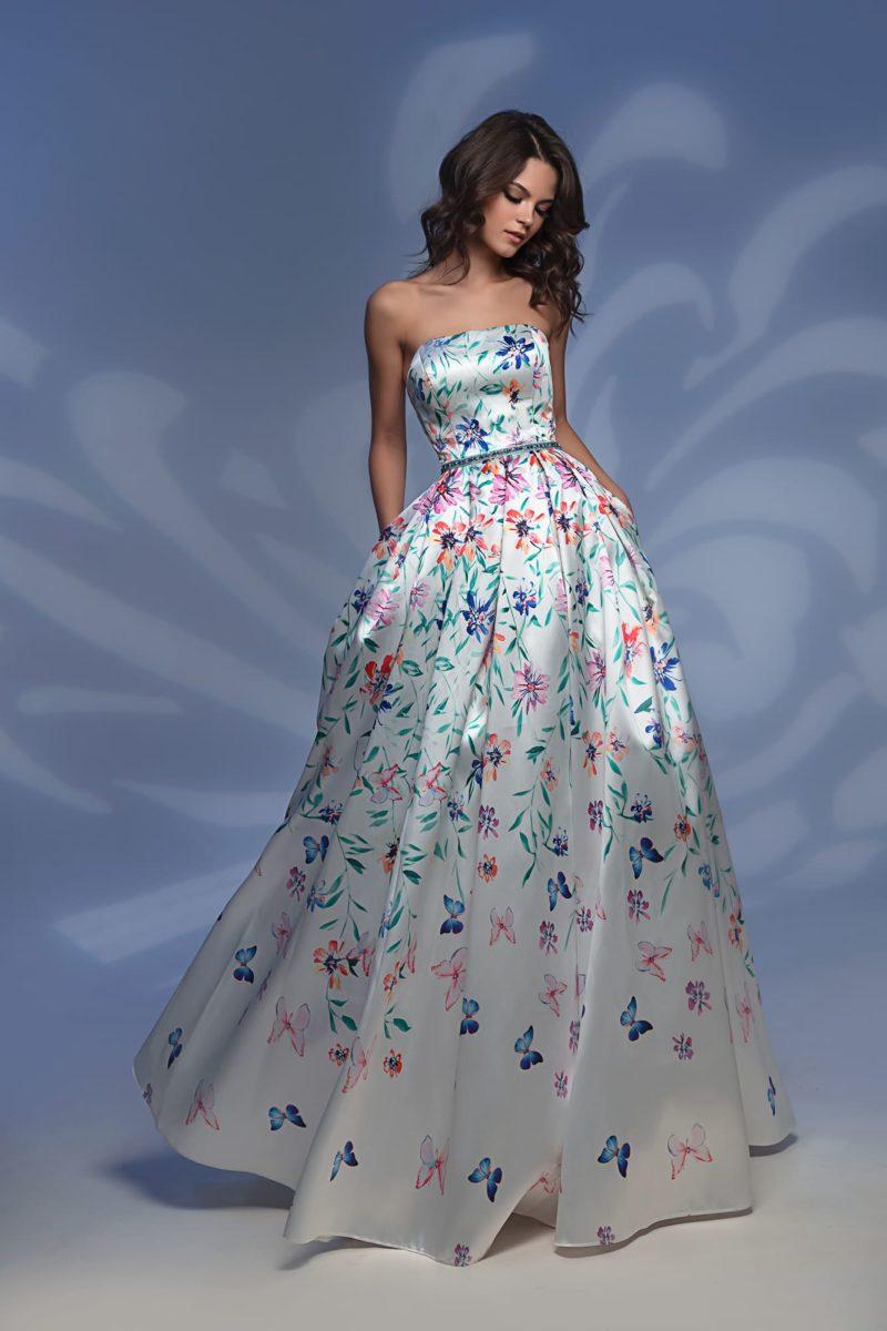 Блестящее платье с принтом и юбкой в пол