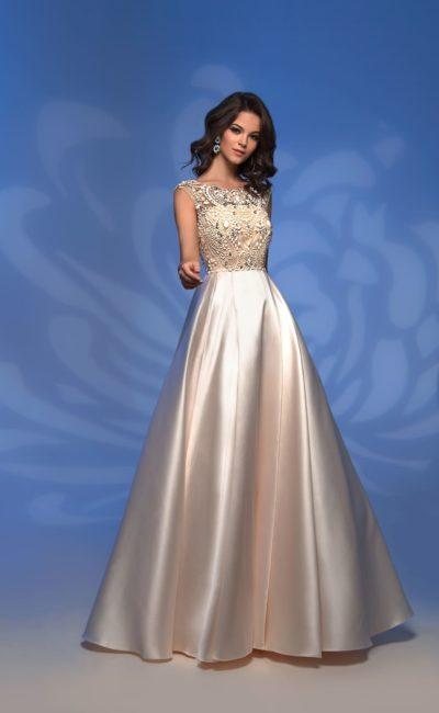 Платье цвета айвори