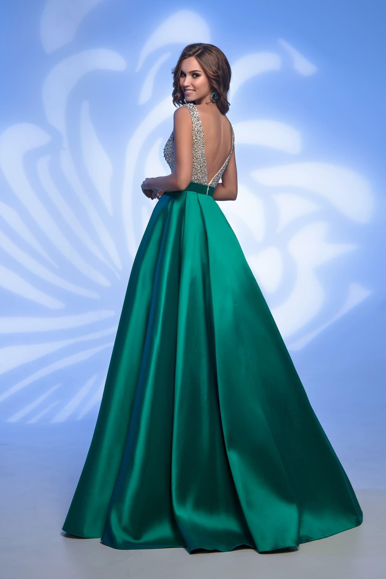 1b48e82db37b54c /shop/32382-blue/ /shop/32382-grey/. Nora Naviano Imressive / 32382 green.  Очаровательный изумрудный оттенок длинной воздушной юбки делает вечернее  платье ...