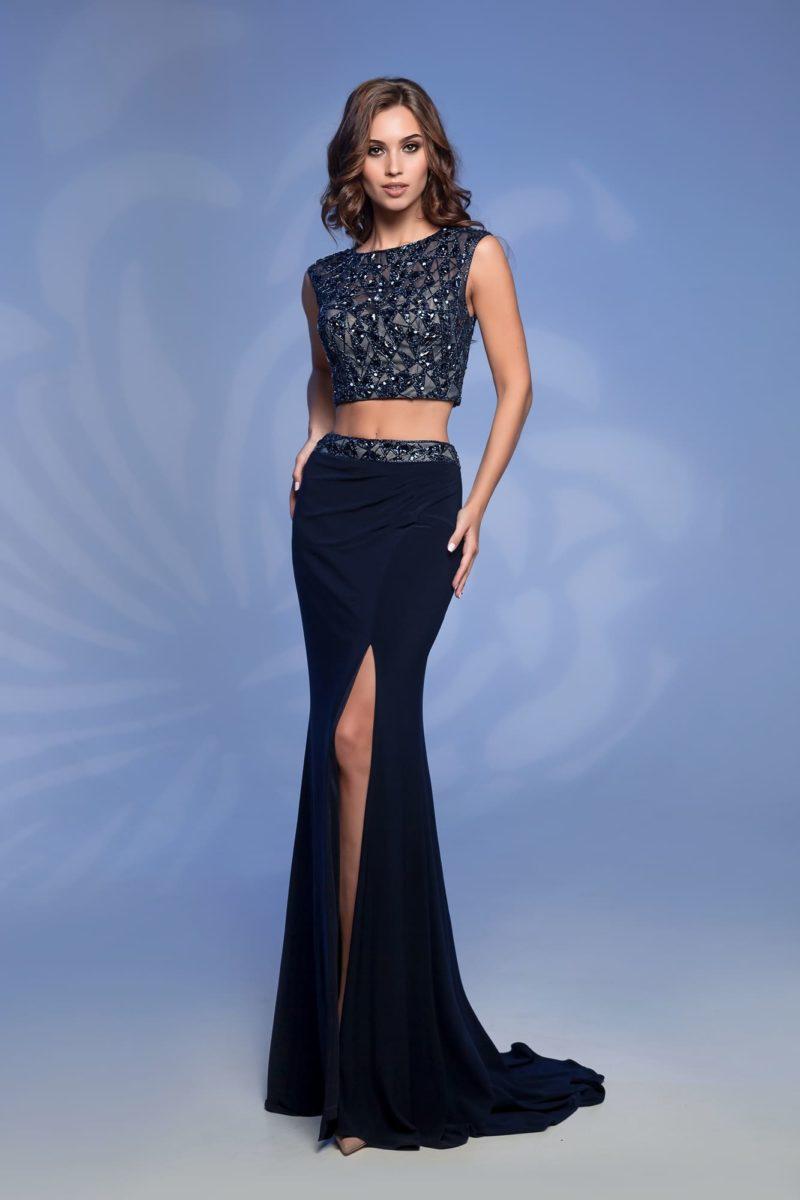 Темно-синее платье с топом
