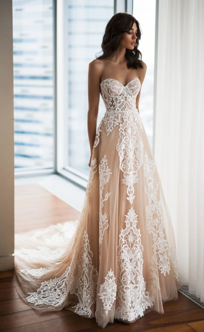 свадебное платье с лифом «сердечком»