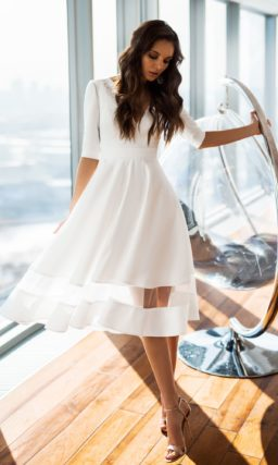 Простое короткое платье