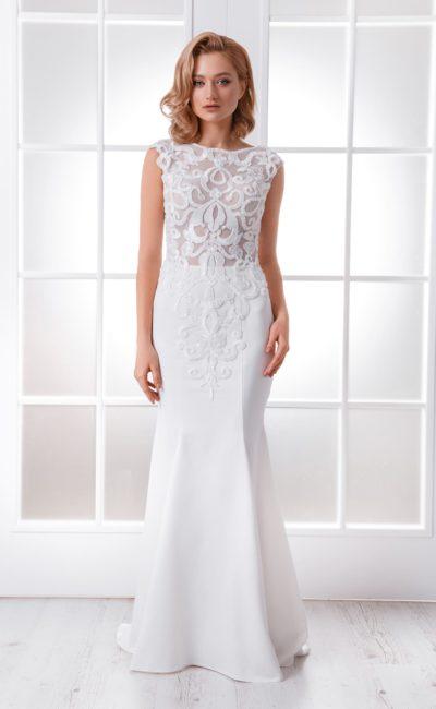 Свадебное платье «рыбка» с эффектным декором из кружева.