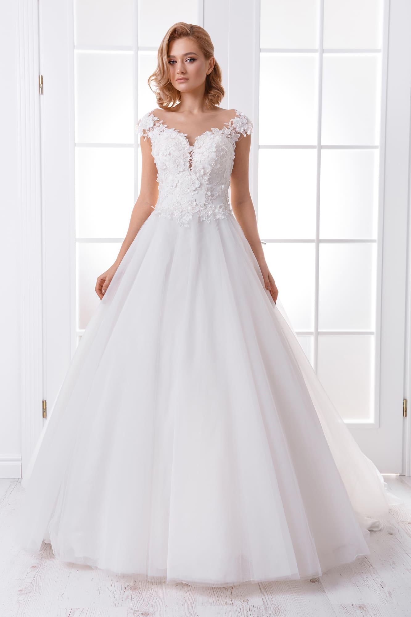 6da52e2727c47f3 Свадебное платье Queen Ella ▷ Свадебный Торговый Центр Вега в Москве