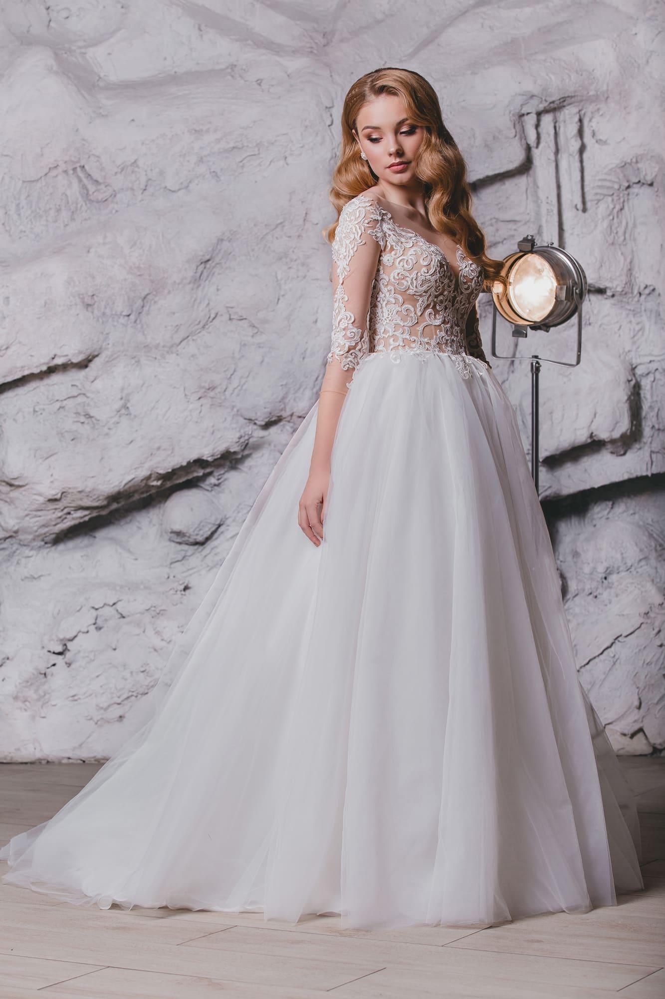 964190a8c51abce Свадебное платье Queen Janin ▷ Свадебный Торговый Центр Вега в Москве