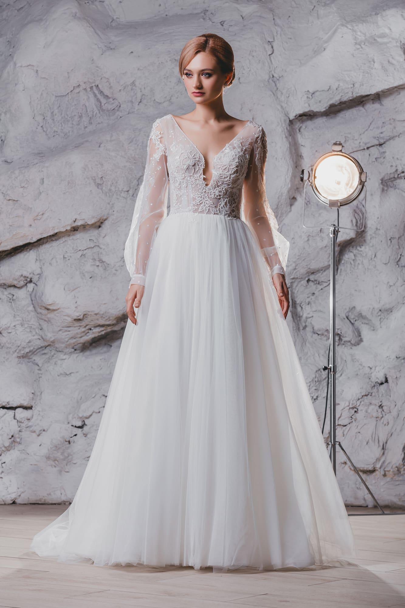 5f0ca47db949a5b Свадебное платье Queen Muze ▷ Свадебный Торговый Центр Вега в Москве