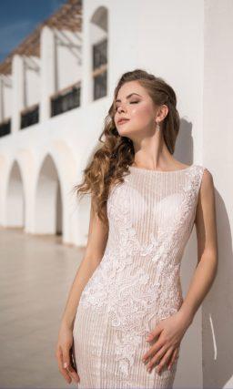 Розовое свадебное платье «рыбка» с аппликациями и шлейфом.