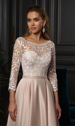 Свадебное платье в пол с атласной юбкой