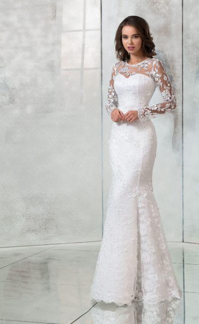 Кружевное свадебное платье «рыбка» с длинным рукавом.