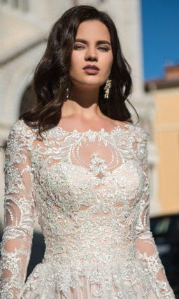 Свадебное расшитое платье