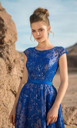 Синее длинное платье