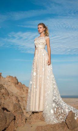 Кремовое красивое платье