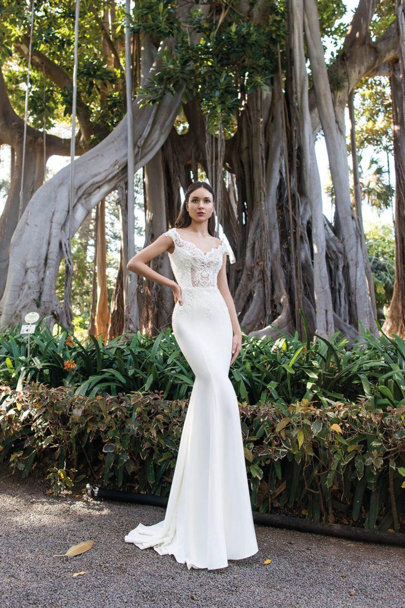 Свадебное платье «русалка» с кружевными вставками на корсете.