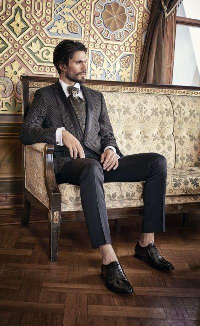 Коричневый мужской свадебный костюм
